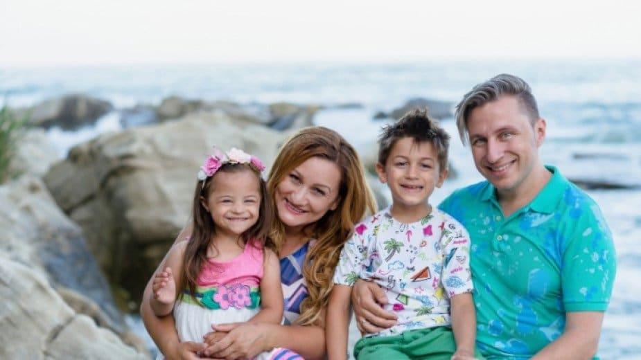 """След """"Слънце в семейството"""" родители на дете с Даун от Варна издават втора книга"""
